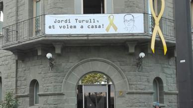 Parets condemna l'empresonament de part del govern català
