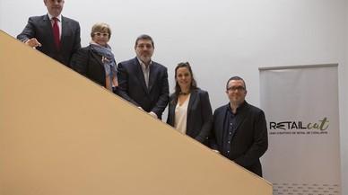 Presentación de Retailcat. De izquierda a derecha, Gabriel Jené, presidente de Barcelona Oberta; Cristina Escudé, presidenta de Cecot Comerç; Joan Carles Calbet, presidente de Retailcat y Comertia; Laura López, directora, y Salva Vendrell, president