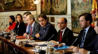 Colaboración sin incidencias con Bermúdez de Castro: así supervisa el Gobierno el 155 en Catalunya