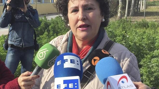 La sevillana Maria Salmeron en declaraciones a los periodistas hoy en Sevilla.