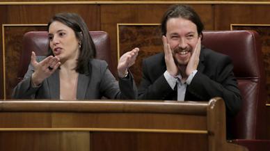 Tenso rifirrafe de Santamaría y Montero en el Congreso