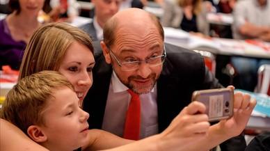 """Schulz acusa Merkel de ser """"un perill per a la democràcia"""""""