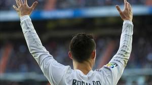 Cristiano Ronaldo se queja en el partido ante el Atlético.