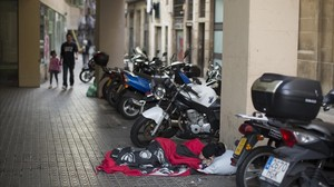 zentauroepp40326110 barcelona 28 09 2017 ambiente en las calles del raval a la h170928173354