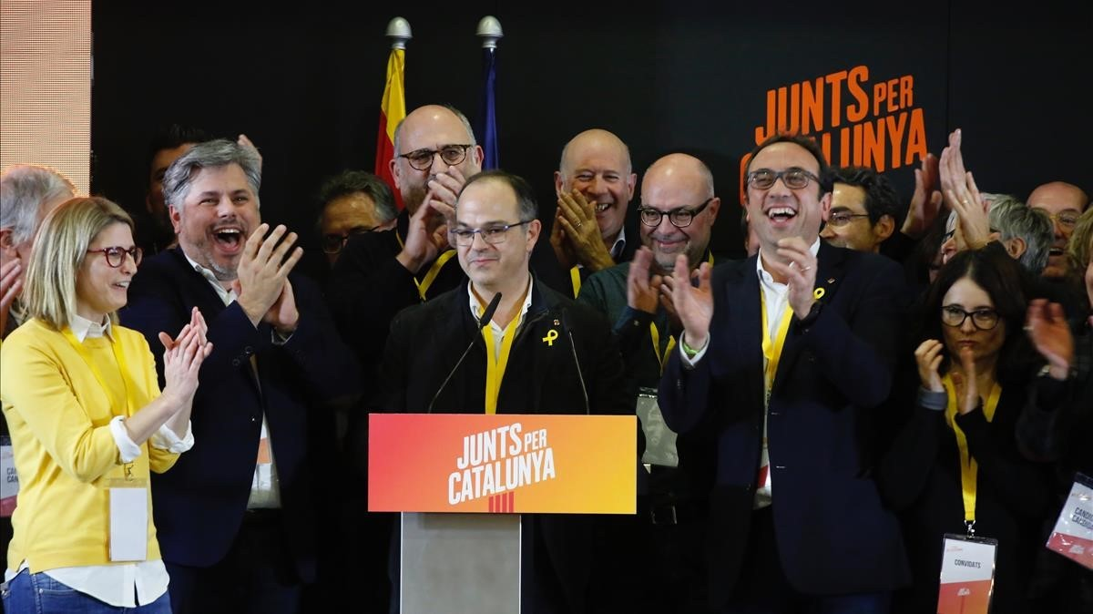 Jordi Turull y Josep Rull celebran los resultados elctorales de JxCAT.