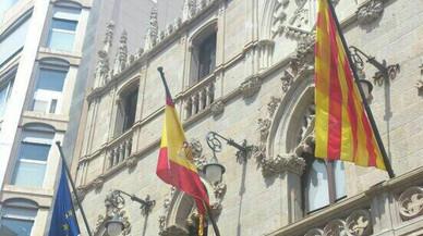 Alcarràs aprova que no onegi la bandera espanyola