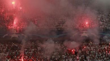 Aspecto de una grada del estadio del Liga durante el encuentro ante el Dotmund.