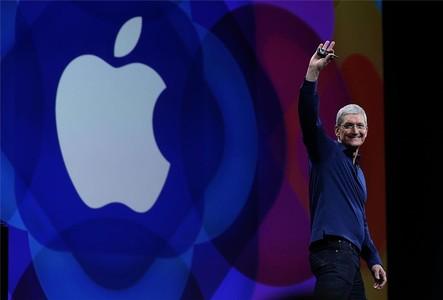 El consejero delegado de Apple, Tim Cook, en la WWDC 2015.