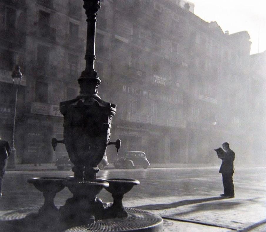 Fotografía sin autor rescatada de los Encants de Barcelona por el estadounidense,Tom Sponheim.