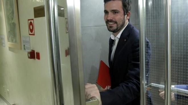 "Izquierda Unida 'amonesta' Alberto Garzón per dir-li ""rei"" a Felip de Borbó"