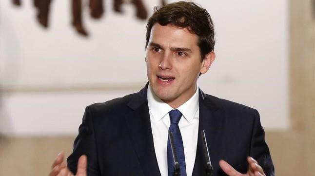 """Albert Rivera: """"Rajoy decideix si Espanya es posa en marxa o s'encalla"""""""