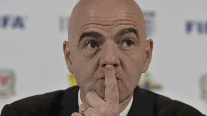 La FIFA suprimirà amb condicions el triple càstig de penal, vermella i suspensió