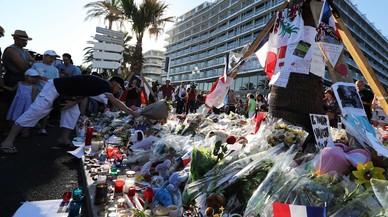 Detingudes dues persones més de l'entorn del terrorista de Niça