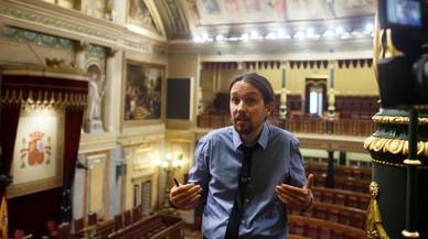 Iglesias se arropa de los alcaldes del cambio en la moción de censura