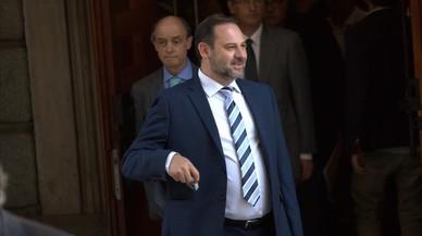 """El PSOE acusa a Podemos de dar """"oxígeno"""" a Rajoy con su moción"""