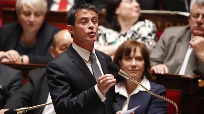 El primer ministro franc�s, Manuel Valls, durante la sesion de control al Gobierno en la Asamblea.