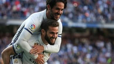 El Madrid goleja amb polèmica