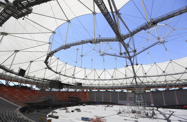 Vista de los preparativos para el concierto de los Rolling Stones en el estadio �nico de La Plata, en la provincia de Buenos Aires, este martes.