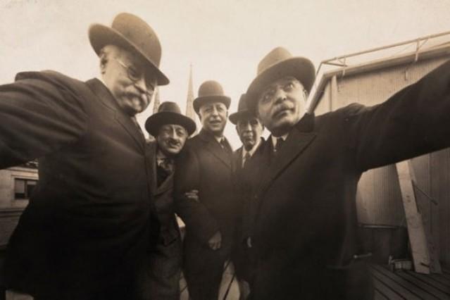La primera selfie de la historia fue tomada en 1920 en Nueva York.