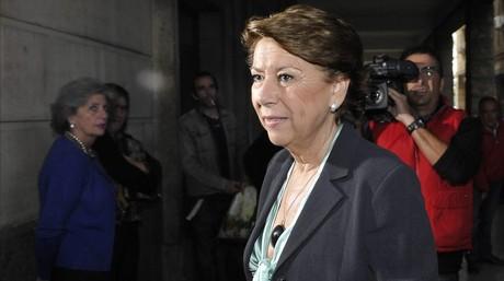 Magdalena Álvarez, el pasado noviembre, a su llegada a los juzgados de Sevilla para declarar por segunda vez por el caso de los ERE. EFE / RAÚL CARO