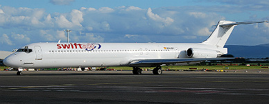 Un avi�n modelo MD83 de la compa��a Swiftair.