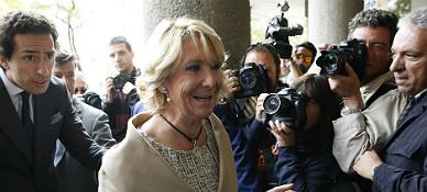 Esperanza Aguirre, a su llegada a los juzgados, este lunes.