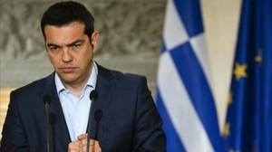 Tsipras gesticula durante una conferencia de prensa conjunta con el canciller austriaco, en Atenas, este miércoles.