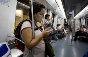 jcortadellas23758144 barcelona 27 09 2013 usuarios de smartphones telef160114134859