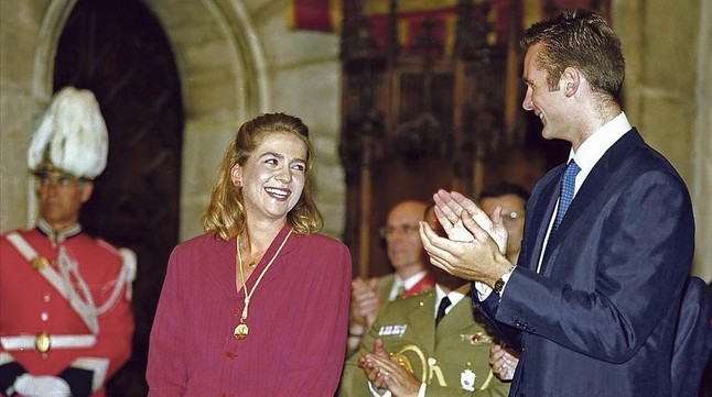 icoy32478548 barcelona 22 09 1997 entrega de la medalla de la c160120205302