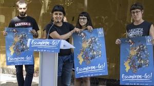 La CUP y otros representantes de la Crida Constituent presentan delante de la Cambra de Comerc la campaña Autodeterminació, desobediència, Paisos Catalans, escombrem-los.