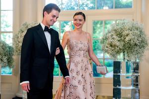 Una imagen de la boda de Miranda Kerr y Evan Spiegel publicada por la modelo en su cuenta de Instagram