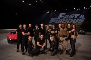 El elenco de artistas y creadores del show Fast and Furious Live.