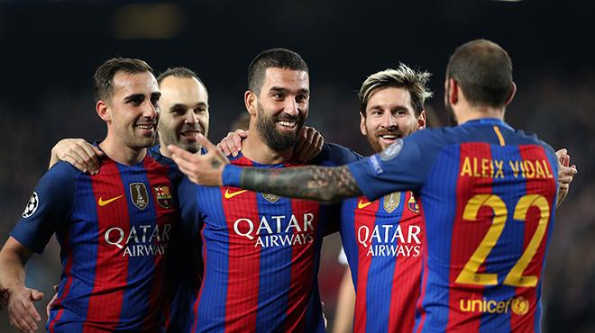 La imágenes del partido de Champions League entre el Barça y el Borussia Monchengladbach que acabó con 4 a 0, goles de Messi y 'hat trick' de Arda Turan.