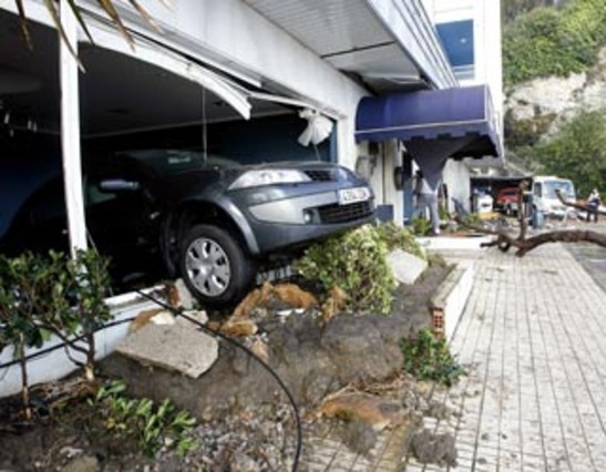 El temporal ocasiona graves destrozos en la costa cant brica - El chiqui santander ...