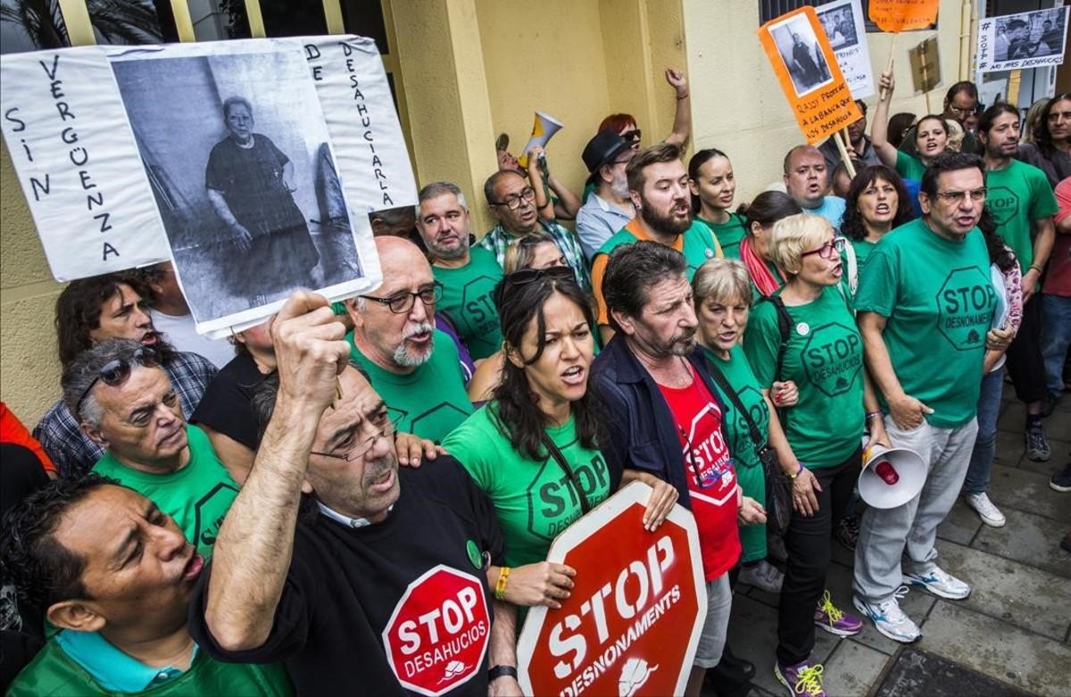 Barcelona tramita 268 expedientes de pisos vac os de bancos for Pisos de bancos en barcelona