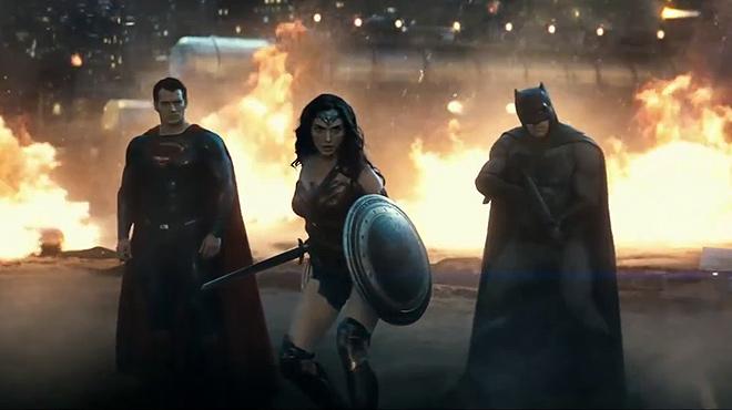 Estrenos de la semana. Tráiler de 'Batman vs Superman. El amanecer de la justicia'.