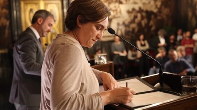 El referéndum divide de nuevo al gobierno de Ada Colau
