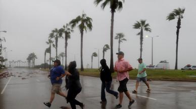 L'huracà 'Harvey' causa greus inundacions al tocar terra a Texas