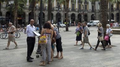 La plaza Reial, uno de los espacios en los que el ayuntamiento invertir� parte de la tasa tur�stica.