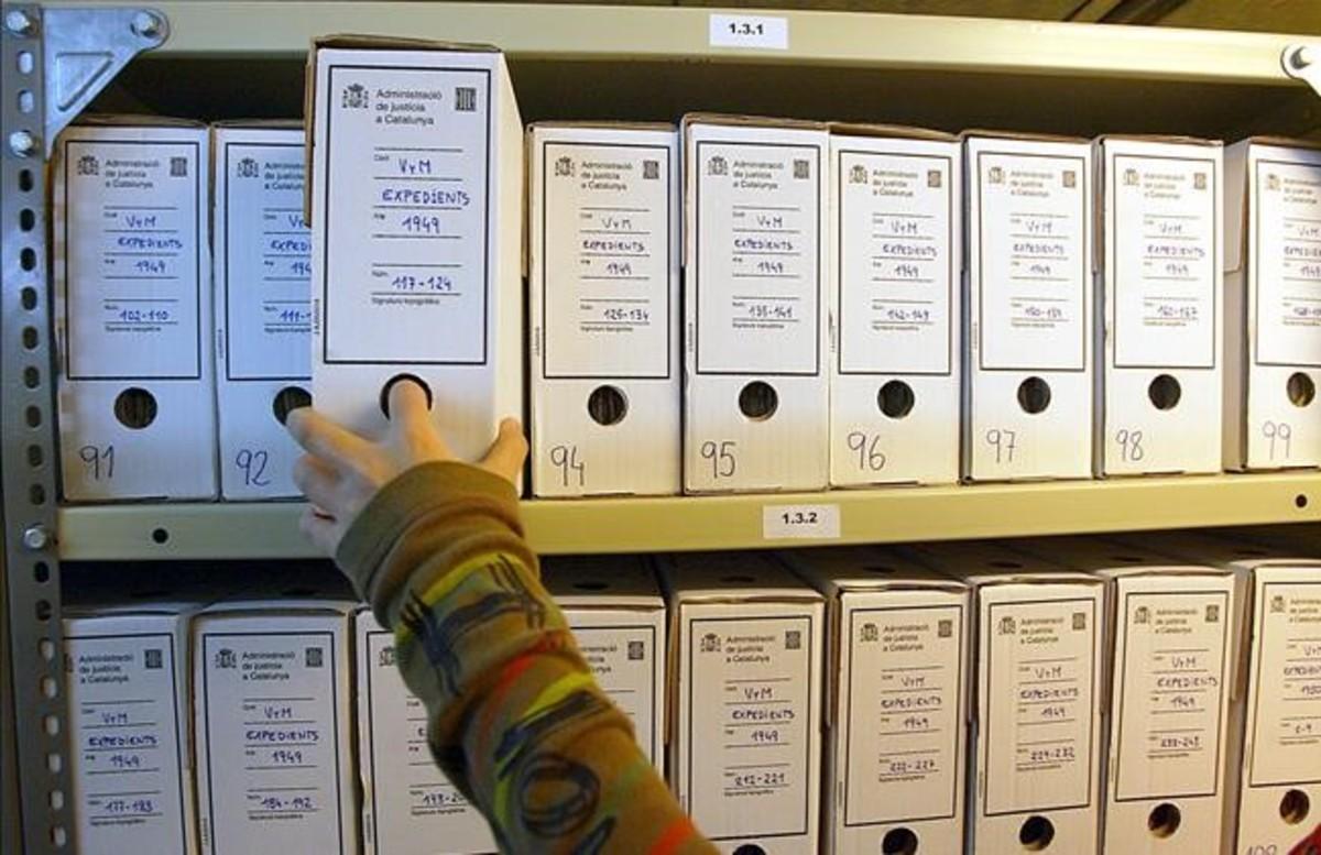 El Arxiu Nacional publica la lista de los 66.590 condenados por el franquismo