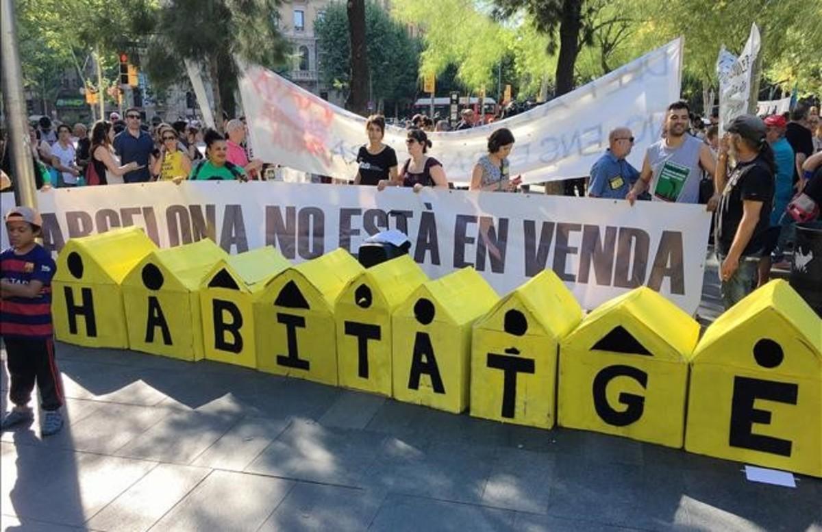 Marcha contra el asedio inmobiliario en Barcelona