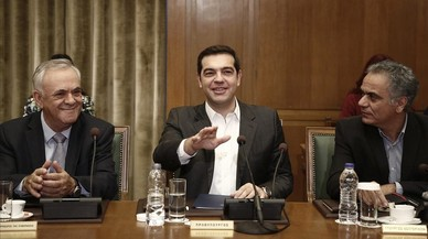 """Tsipras obre una """"nova pàgina"""" decidit a fer sortir Grècia de la crisi"""