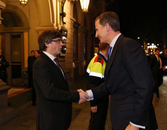 El Rei Felip i el president Puigdemont coincideixen gr�cies al Mobile