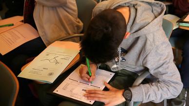 Un profesor sube la nota de un alumno que le pidió que se la bajara