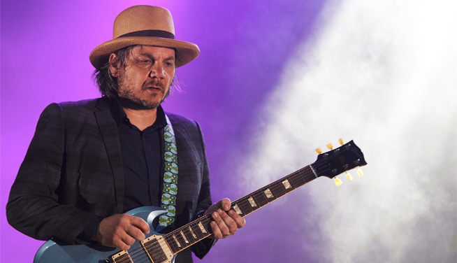 Wilco pasea su clasicismo rockero en el Frum