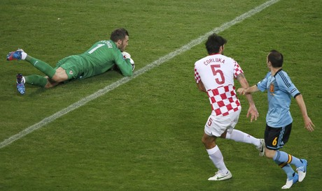 Un momento del partido Croacia-Espaa.