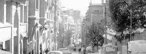 La calle de Teodora Lamadrid de Sant Gervasi, una de las zonas donde m�s nev�, amaneci� cubierta por un manto blanco el 26 de diciembre de 1962.