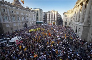 Concentración en la plaza Sant Jaume por la escuela catalana el pasado 12 de septiembre.