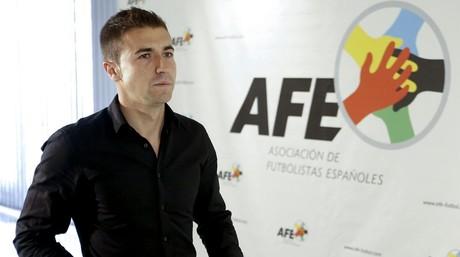 Gabi Fern�ndez, excapit�n del Zaragoza y capit�n del Atl�tico, en una visita a la sede de la AFE.