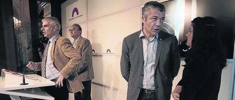 Carlos Carrizosa (C's), Marc Vidal (ICV), Oriol Amor�s (ERC) e Isabel Vallet (CUP), ayer en el Parlament.